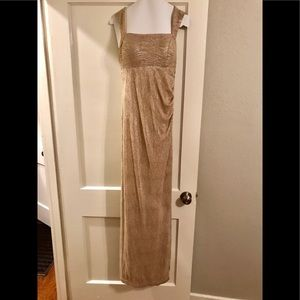Betsy & Adam gold metallic formal gown; Size: 6
